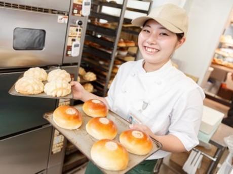 未経験OK×病院内ベーカリー。パンの香りに包まれる職場!働きながらパン作りが学べます!